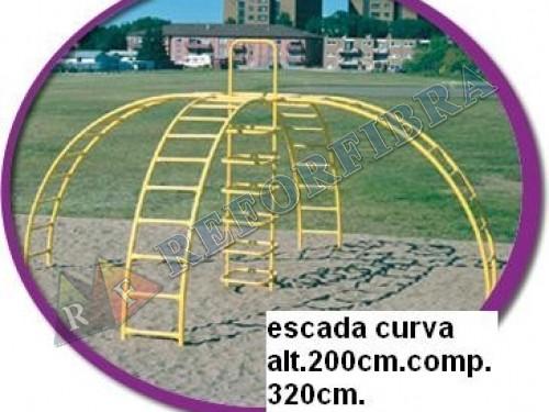026 Escada Curva
