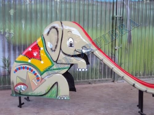 016 Escorregador Elefantinho 1
