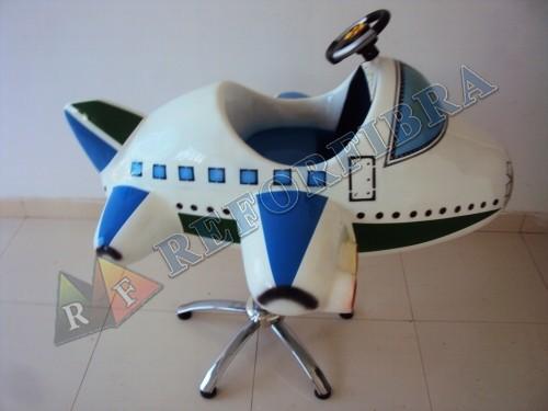 002 Cadeira Infantil Modelo Aviãozinho