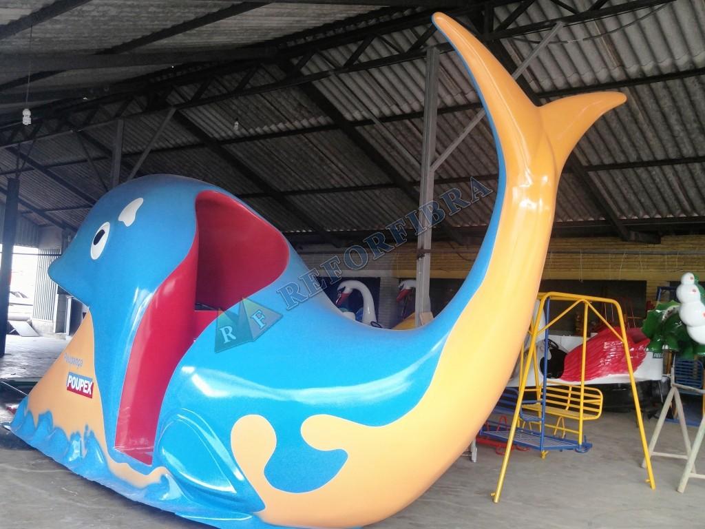 010 - Escorregador Aquático Modelo Baleia