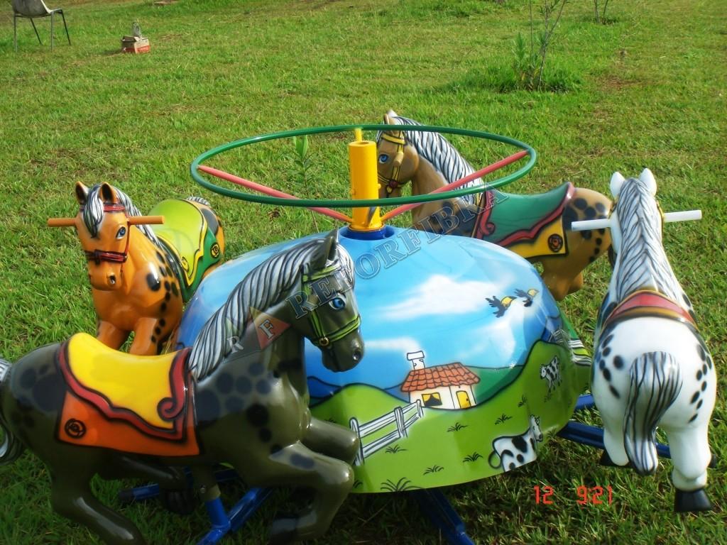 001 - Carrossel 4 Cavalos - Sem Cobertura